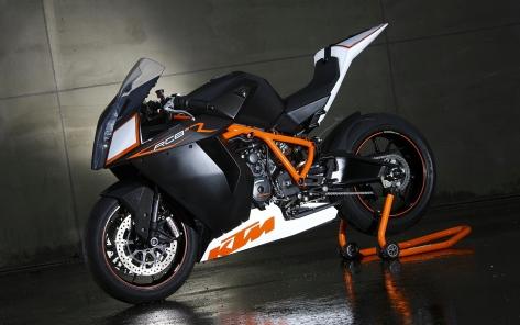 KTM-1190-RC8-Black-White