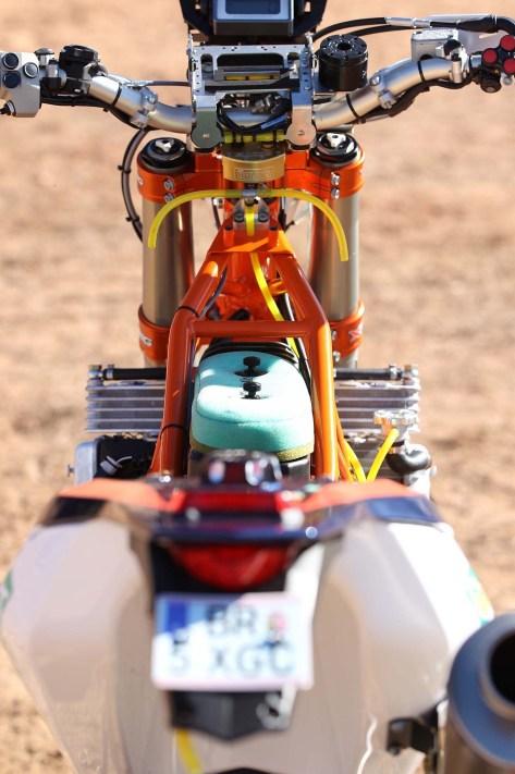 2014-KTM-450-Rally-race-bike-12