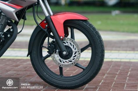 New Honda Megapro FI 2014_15