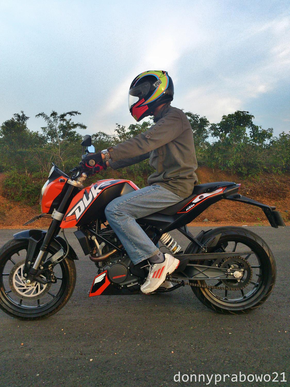 Review Pemakaian Dan Detail Helm Agv K3 Carbon Doff Rossi Moto Gp C360 2014 02 15 08 11 43 551